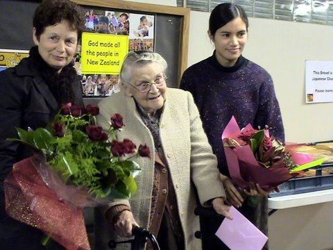 90歳のお誕生日を迎えられたベティ先生